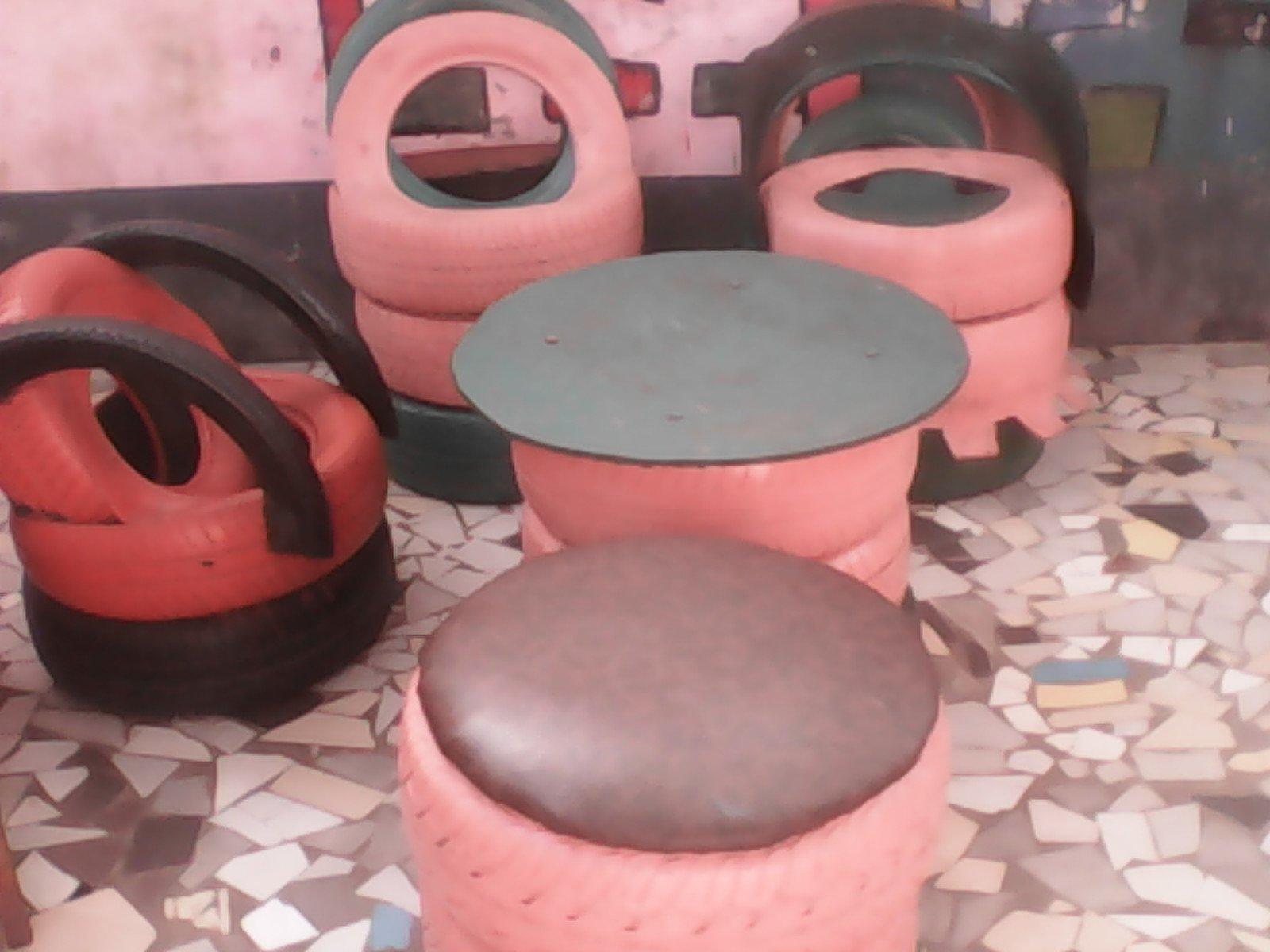 Pot De Fleur Avec Des Pneus guin�e/recyclage : des pneus us�s transform�s en pots de